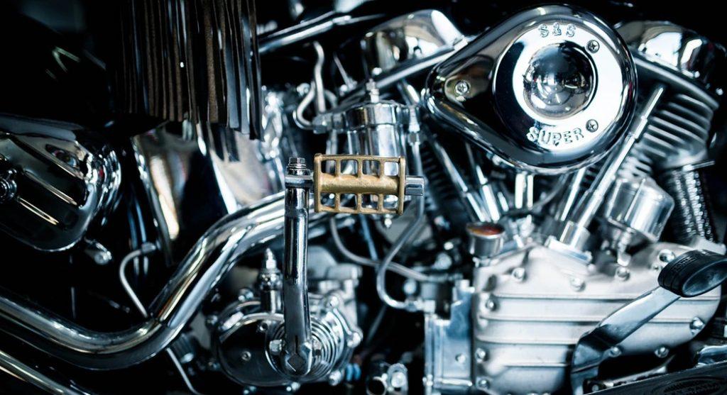 パンヘッドのエンジン周辺右側の画像