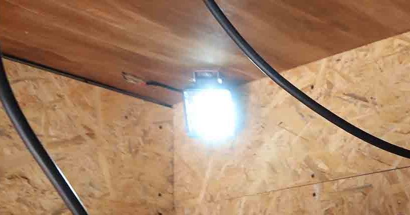 天井のLED照明